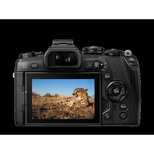 Olympus OM-D E-M1 Mark II digitális fényképezőgép  12-45MM PRO KIT, ED 12‑45mm 1:4.0 PRO objektívvel 05