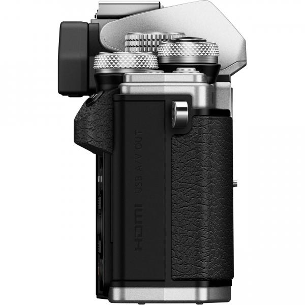 Olympus OM-D E-M10 Mark II Pancake Double Zoom Kit, 14‑42mm EZ Pancake és 40‑150mm R objektívekkel 12