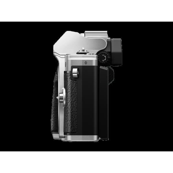 Olympus OM-D E-M10 Mark III digitális fényképezőgép DZK kit, 14‑42mm II R és ED 40‑150mm R objektívekkel 07