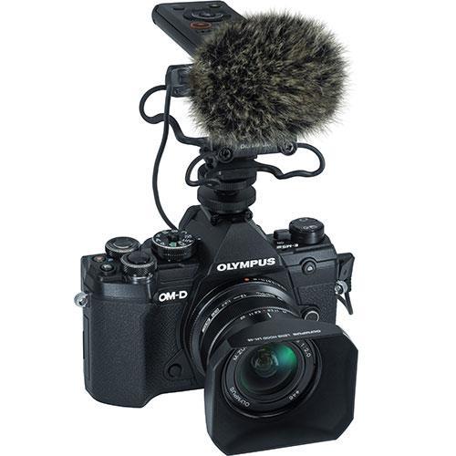 Olympus OM-D E-M5 Mark III digitális fényképezőgép váz + M. Zuiko Digital 12 mm objektív Vlogger KIT 04